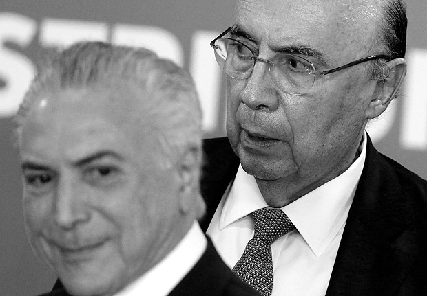 Brazil's President Michel Temer (L) and Finance Minister Henrique Meirelles attend a ceremony in Brasilia, Brazil August 10, 2017. REUTERS/Adriano Machado ORG XMIT: BSB03