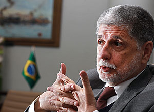 Defense Minister Celso Amorim suspects that he may have been the target of wiretapping in the past