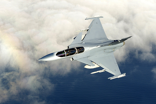 Gripen's offer was worth around US$ 6 billion, while the French competitor Dassault Rafale offered US$ 8 billion