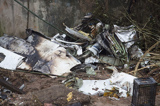View of the site of the crash of the Cessna 560XL aircraft carrying the presidential candidate of the PSB Eduardo Campos