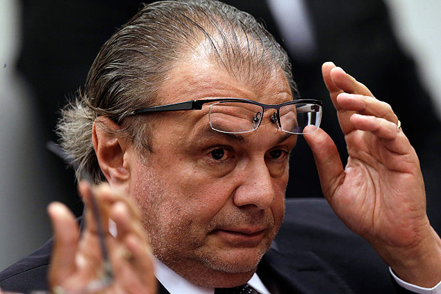 Former manager of Petrobras Pedro Barusco testifies for the Parliamentary Commission of Inquiry in the Chamber of Deputies that investigate allegations of corruption at Petrobras in Brasilia March 10, 2015. REUTERS/Ueslei Marcelino (BRAZIL - Tags: POLITICS) ORG XMIT: BSB10
