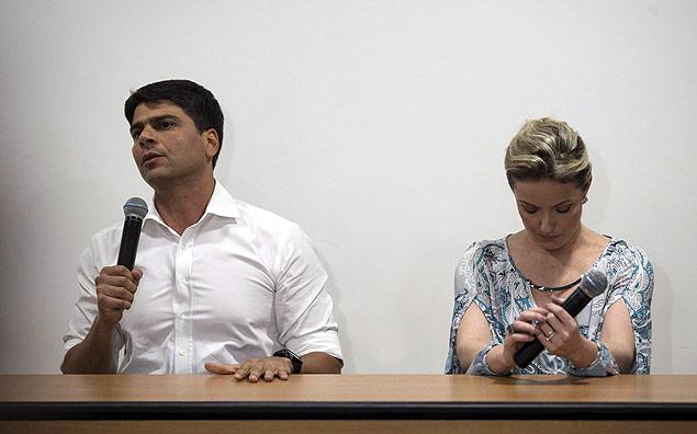 Pedro Paulo, secret�rio da Prefeitura do Rio, durante entrevista ao lado da ex-mulher Alexandra