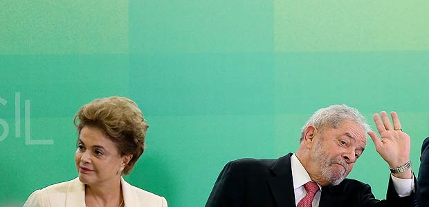 BRAS�LIA, DF, BRASIL, 17.03.2016. A presidente Dilma Rousseff d� posse ao ex-presidente Lula no cargo de ministro-cehfe da Casa Civil durante cerim�nia no Pal�cio do Planalto. (FOTO Alan Marques/ Folhapress) PODER