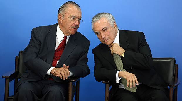 Brazil's interim President Michel Temer (R) speaks with Brazilian politician Jose Sarney during a ceremony for inauguration of the new Minister of Culture, Marcelo Calero, at the Planalto Palace in Brasilia, Brazil, May 24, 2016. REUTERS/Adriano Machado ORG XMIT: BSB53