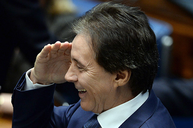 Senator Eunicio Oliveira during the Senate session to elect the new president of Brazil's upper house of Congress in Brasilia on February 1, 2017. The dispute for the presidency of the Brazilian Senate is between Eunicio Oliveira (PMDB-CE), who has the support of the current president Renan Calheiros (PMDB-AL), and Jose Medeiros (PSD-MT). / AFP PHOTO / ANDRESSA ANHOLETE