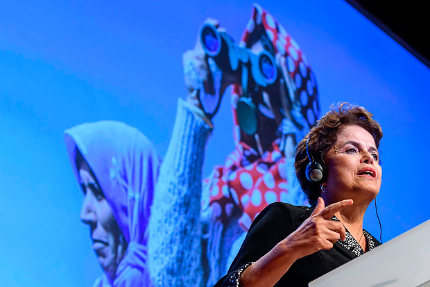 Former Brazilian president Dilma Rousseff delivers a speech during a conference at the International Federation for Human Rights film festival (FIDH) on March 11, 2017 in Geneva. / AFP PHOTO / Fabrice COFFRINI