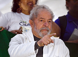 Lula Criticizes both the Referee and the National Soccer Team during his First World Cup as an Analyst on the Radio