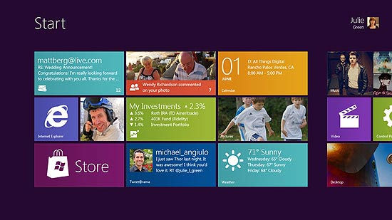 Tela Iniciar do Windows 8, com visual que lembra o do Windows Phone 7
