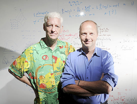 Sebastian Thrun e Peter Norvig, especialistas em inteligência artificial