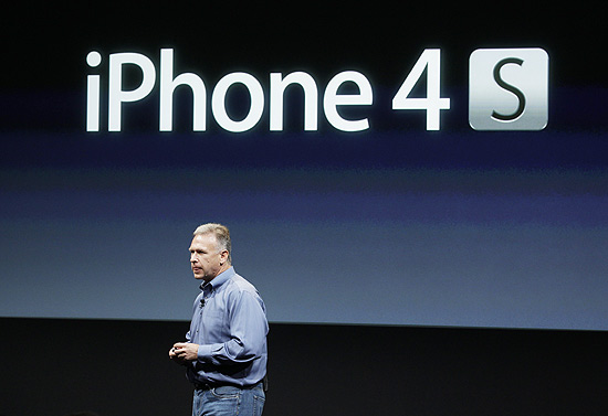 Phil Schiller, vice-presidente-sênior de marketing de produto no mundo, fala sobre o iPhone 4S