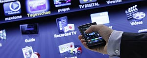 Smartphone controla smart TV – Thomas Peter/Reuters