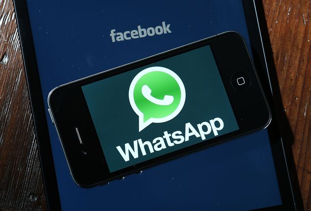 AN FRANCISCO, CA - FEBRUARY 19: Facebook and WhatsApp logos are displayed on portable electronic devices on February 19, 2014 in San Francisco City. Facebook Inc. announced that it will purchase smartphone-messaging app company WhatsApp Inc. for $19 billion in cash and stock. (Photo Illustration by Justin Sullivan/Getty Images/AFP == FOR NEWSPAPERS, INTERNET, TELCOS & TELEVISION USE ONLY ==Restri��o:== FOR NEWSPAPERS, INTERNET, TELCOS & TELEVISION USE ONLY ==