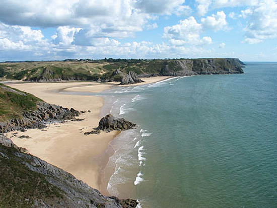 Three Cliffs Bay, na península Gower, de South Wales, País de Gales