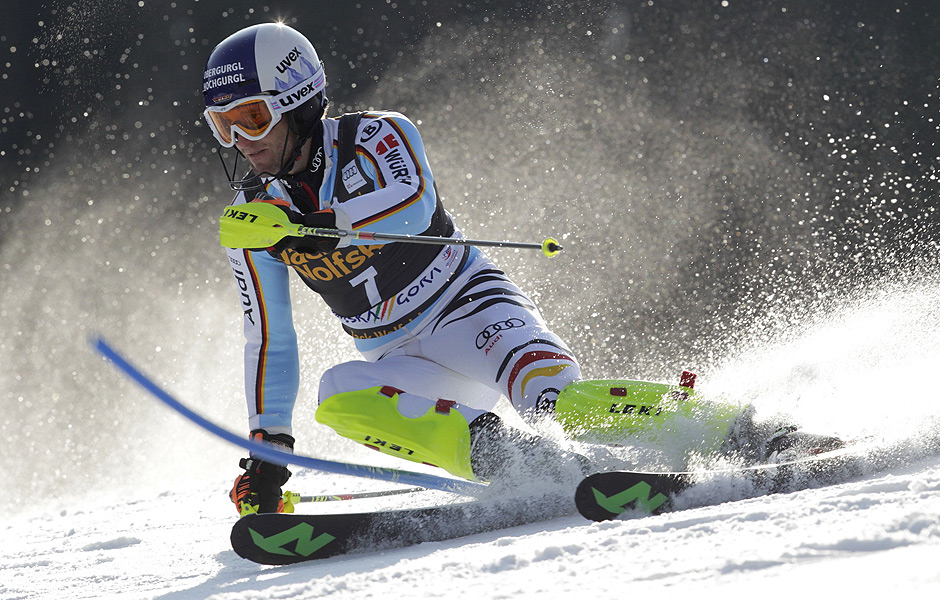 Germany's Fritz Dopfer clears a pole during the first run of the men's slalom at the Alpine Skiing World Cup in Kranjska Gora March 15, 2015. REUTERS/Srdjan Zivulovic (SLOVENIA - Tags: SPORT SKIING) ORG XMIT: AA10