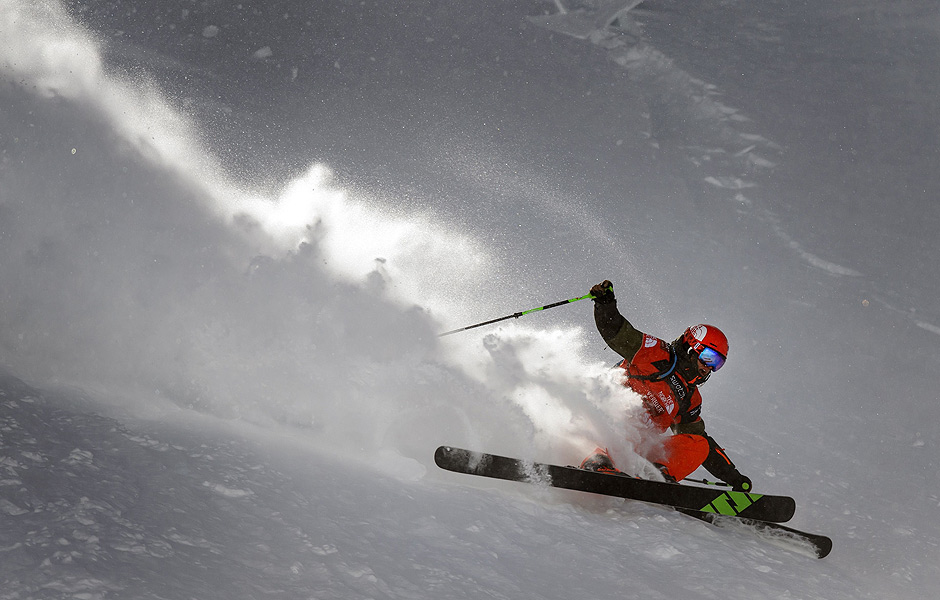 Second placed of the Men's ski event at the Freeride World Tour, New Zealand's Sam Smoothy competes on the Bec de Rosses mountain during the Xtreme Freeride World Tour final on March 29, 2014 above the Swiss Alps resort of Verbier. AFP PHOTO / FABRICE COFFRINI ORG XMIT: FAB363