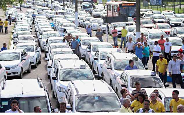 Taxi drivers protest against Uber in Recife