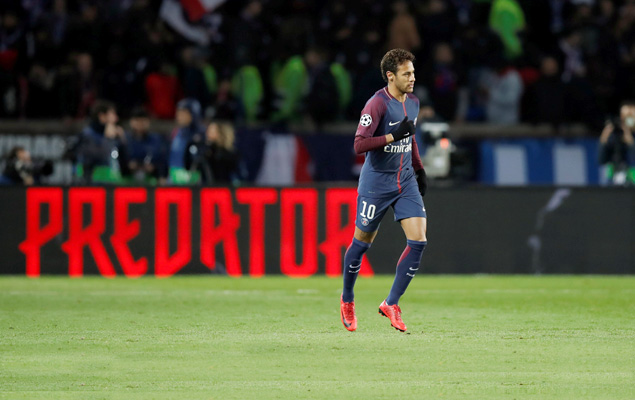 Neymar, do Paris Saint-Germain, comemora gol na vitória sobre o Celtic, por 7 a 1