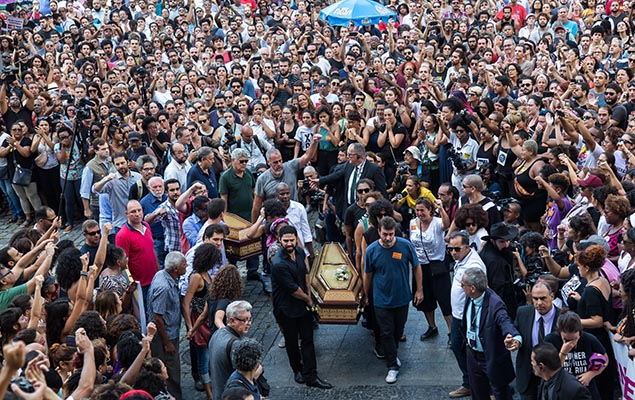 Thousands of people attend the wake of Brazilian councilor Marielle, in Rio