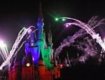 Show de fogos de artif�cio Wishes, com o Castelo da Cinderela iluminado, no Magic Kingdom