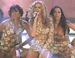 "Ao lado das colegas Kelly Rowland e Michelle Williams, tamb�m ""filhas do destino"", Beyonc� canta ""Say My Name"" durante o pr�mio do ano 2000 da Billboard, em Las Vegas (EUA)"