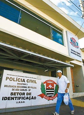 Fachada do 3 e 5 DP de So Carlos; ao civil pblica cobra mais policiais no municpio