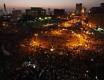 Manifestantes lotam praa Tahrir durante protesto contra candidatura de Shafiq