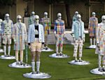 Modelos apresentam cria��es do designer americano Thom Browne durante a Fashion Collection Show ver�o 2013, em Paris