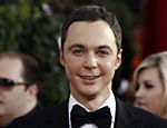 "O ator Jim Parsons, de ""The Big Bang Theory"", saiu do arm�rio discretamente em entrevista ao ""New York Times"""