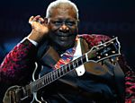 "A lenda do blues B. B. King faz shows em 5 e 6 de outubro na Via Funchal e, no dia seguinte, no Bourbon Street. O guitarrista deve tocar thits como ""Rock me"", Every Day I Have the Blues"" e ""When Loves Come to Town"" Leia mais"