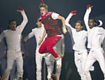 Justin Bieber durante performance no MuchMusic Video Awards, em Toronto Leia mais