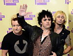 A banda Green Day chega para a premiao do Video Music Awards Leia mais