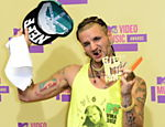 O rapper Riff Raff chega para a cerimnia de premiao do VMA Leia mais