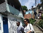 Kim Kardashian e Kanye West na favela do Vidigal, no Rio