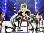 Beyonc� se apresenta no Barclays Center, em Nova York (EUA), durante o show da turn� 'Mrs. Carter Show World Tour 2013'