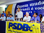 Em Santos (SP), Senador A�cio Neves (PSDB-MG) participa de encontro com lideran�as da regi�o