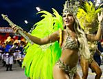 Gil Jung no desfile da escola de samba Acad�micos do Tatuap�, no segundo dia do Carnaval no Anhembi, em SP Leia mais