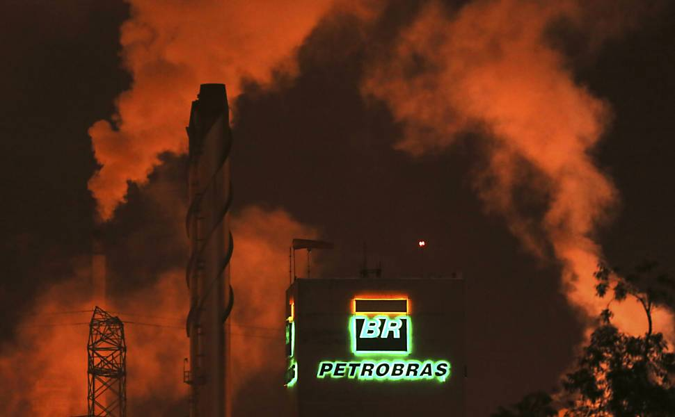 Veja a cronologia do inferno astral da Petrobras