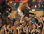Beyoncé se apresenta no show do intervalo do Super Bowl 50, na Califórnia