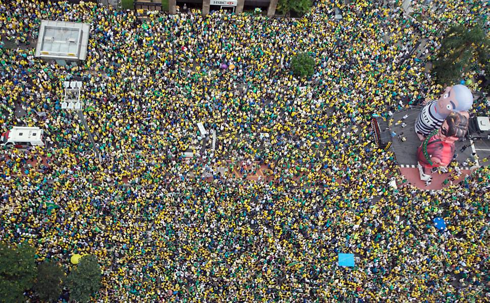 More Than a Million Brazilians Protest Against Rousseff Government