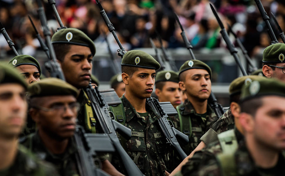 Militares desfilam na comemora��o do Dia da Independ�ncia no Anhembi