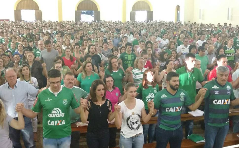 Mass in Chapecó (SC) for the dead in the accident