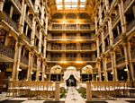 George Peabody Library, em Baltimore, nos Estados Unidos
