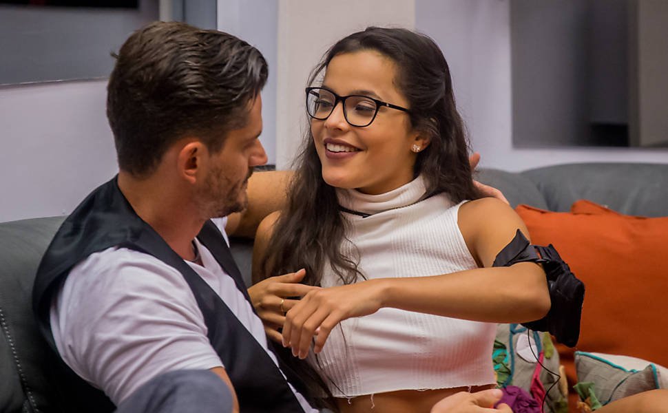 Emilly e Marcos, o casal polêmico do