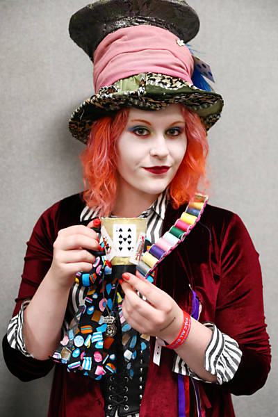 A woman dressed as the Mad Hatter from Alice in Wonderland poses for a portrait at the London Film and Comic Con in London, Britain July 30, 2017. REUTERS/Neil Hall ORG XMIT: NGH07