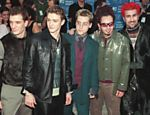 O grupo N'Sync participa do MTV Video Music Awards, em 1999