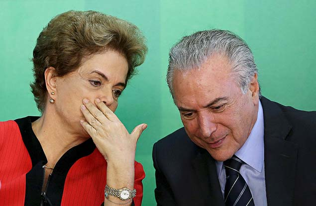 GALERIA TRAJETÓRIA MICHEL TEMER -Brazil's President Dilma Rousseff (L) talks to Vice President Michel Temer at the Planalto Palace in Brasilia, Brazil, in this March 2, 2016 file photo.