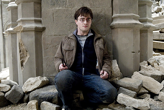 "Cena do filme ""Harry Potter e as Rel�quias da Morte - Parte 2"" (2011), com o ator Daniel Radcliffe no papel do jovem bruxo"