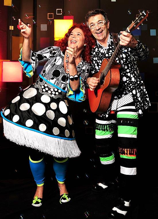 """Em """"pocket show"""", Palavra Cantada apresentam músicas do novo disco da dupla, """"Um Minutiiinho"""""""