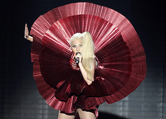 Cantora Lady Gaga (foto) faz dois shows da turn &quot;The Born This Way Ball&quot; no Brasil em novembro