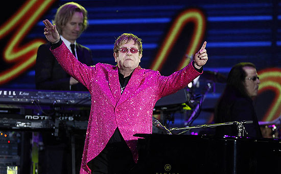 O msico Elton John, que abre turn brasileira nesta quarta-feira